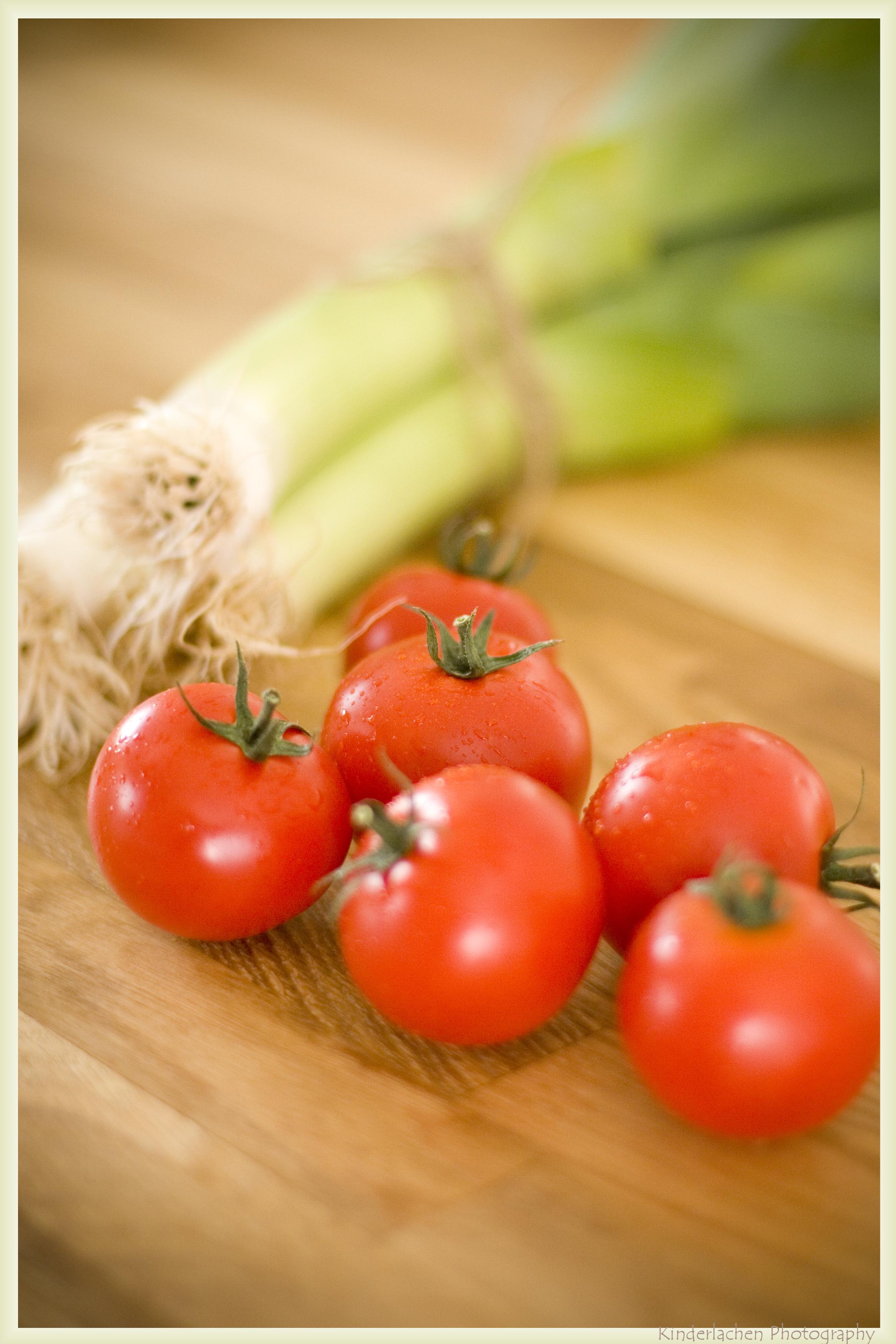 yum yum aus meiner k che tomaten lauch quiche. Black Bedroom Furniture Sets. Home Design Ideas